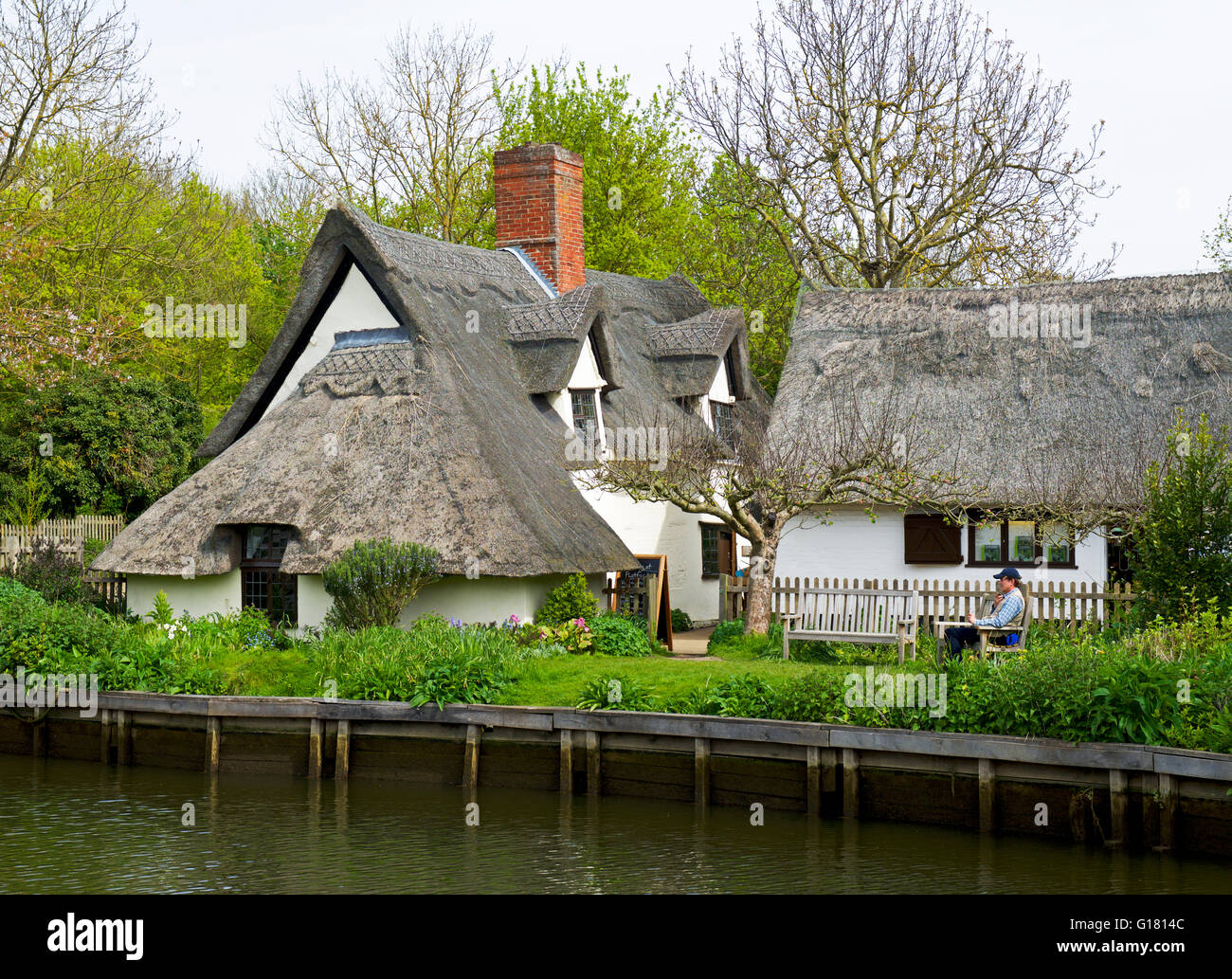 Thatched cottage at Flatford, Suffolk, England UK Stock Photo