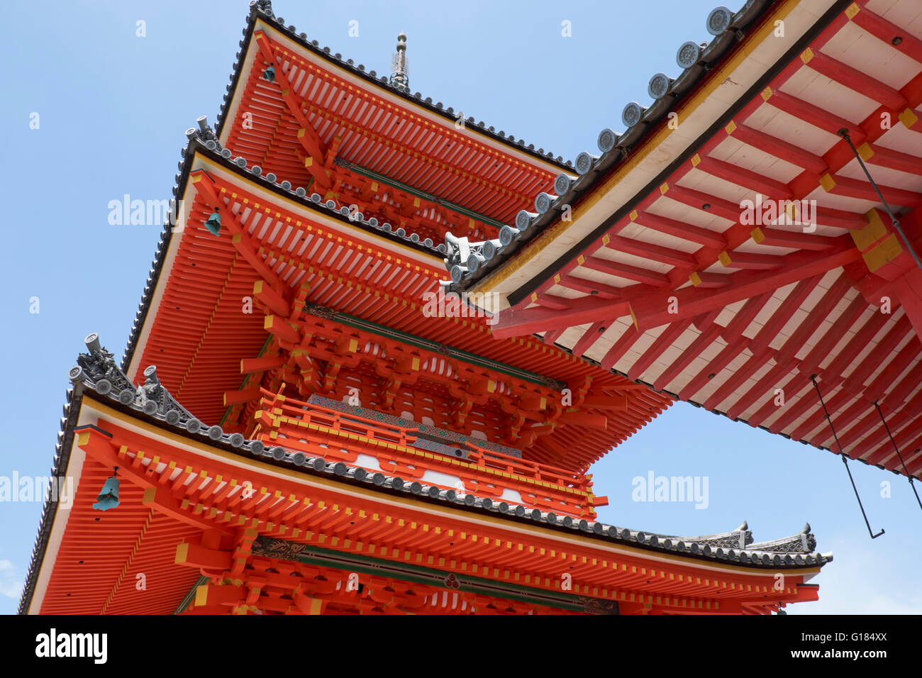 KIYOMIZU DERA, TEMPLE, PAGODA, SANJU-NO-TO, KYOTO, JAPAN, THREE STORY PAGODA - Stock Image