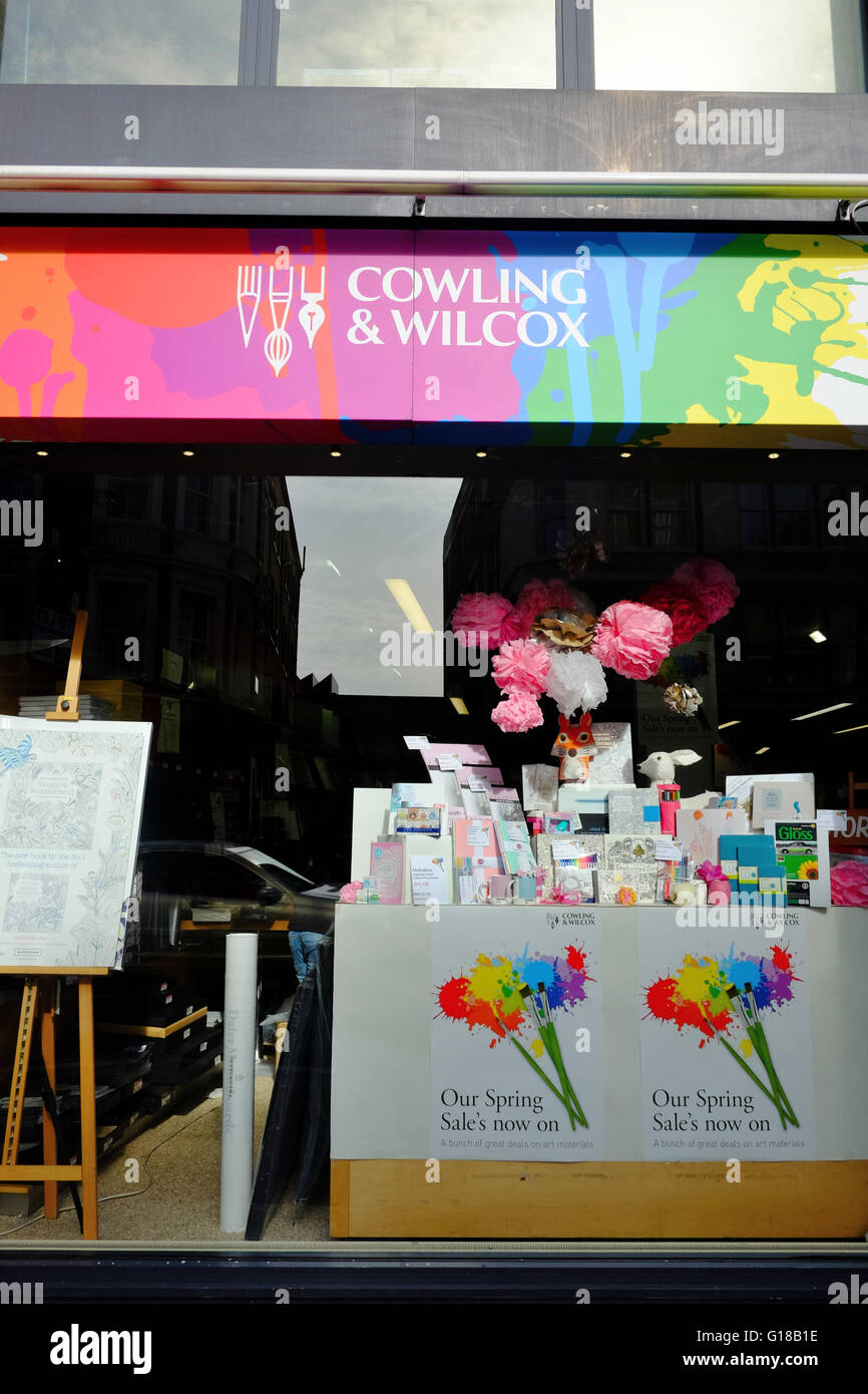 Cowling & Wilcox Arts and Crafts shop in Shoreditch - Stock Image