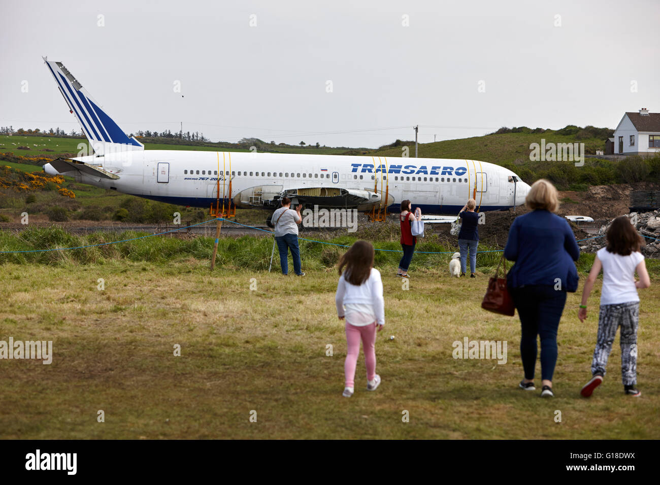 tourists visit transaero boeing 767 to be used as a glamping campsite quirky glamping nights village Enniscrone - Stock Image