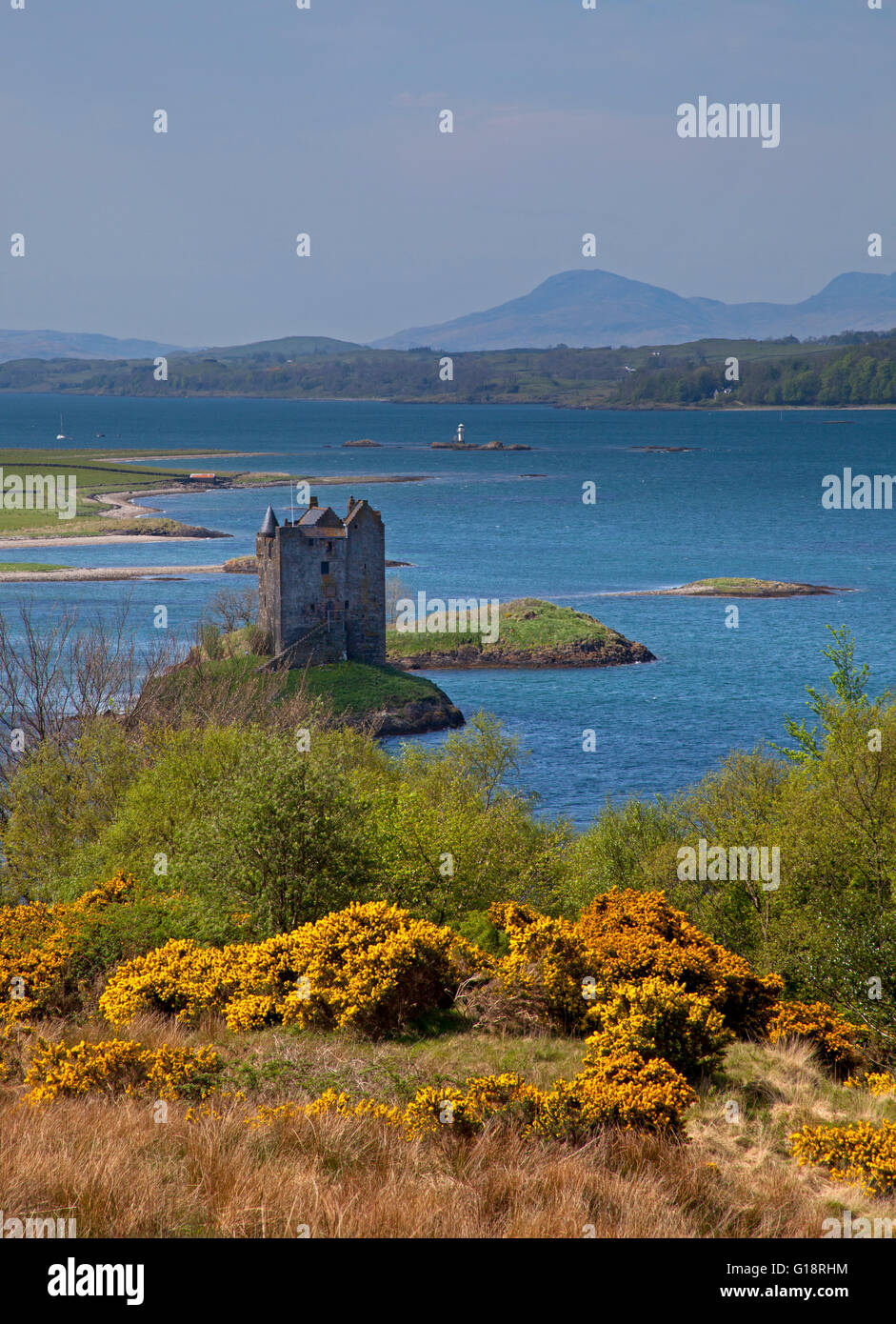 Loch Linnhe, Castle Stalker, Argyll and Bute, Scotland, UK. 11th May, 2016. Weather: Heat wave continues in North - Stock Image
