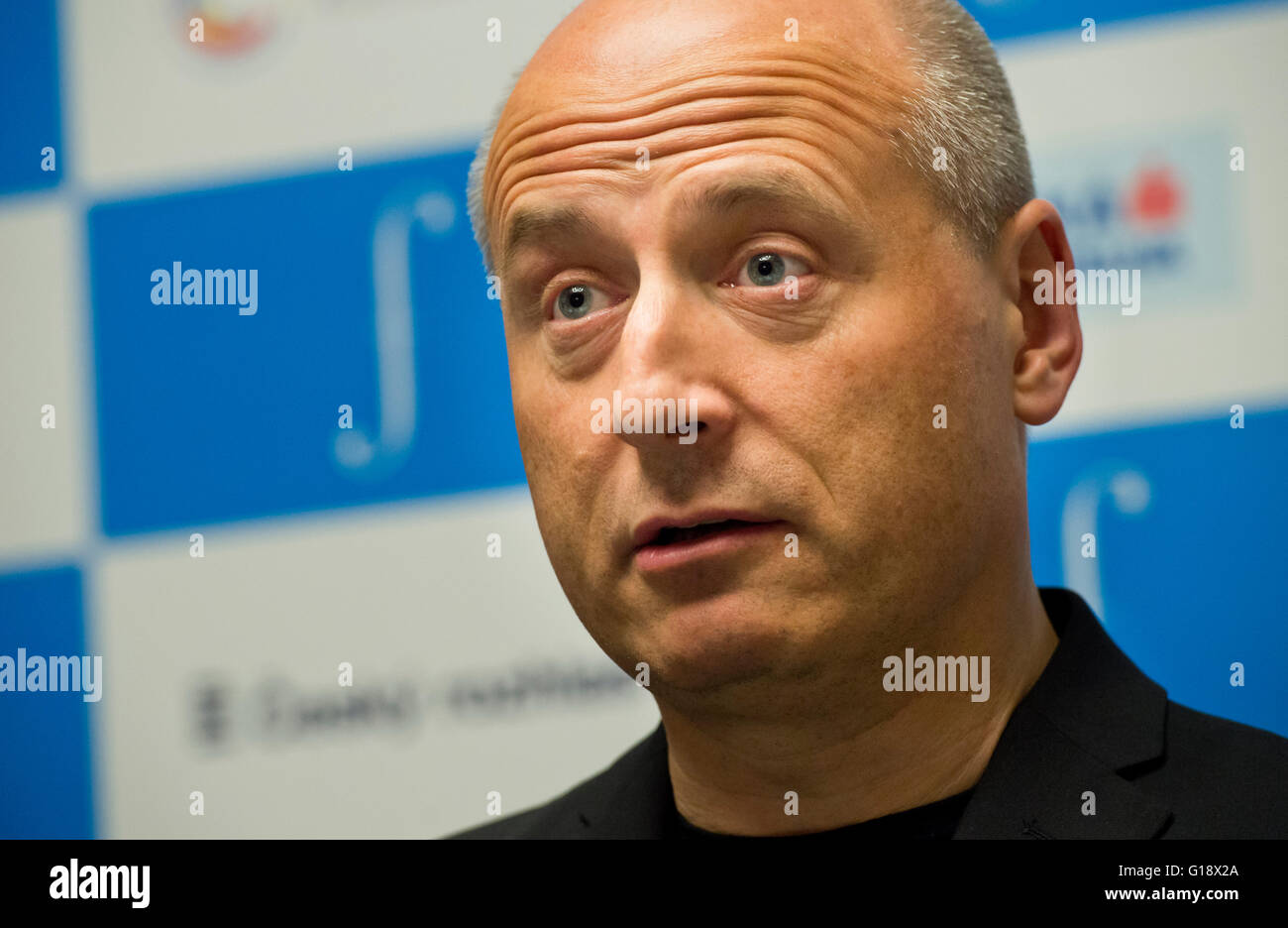 Prague, Czech Republic. 11th May, 2016. Estonian conductor Paavo Jarvi speaks at a press conference prior to the - Stock Image
