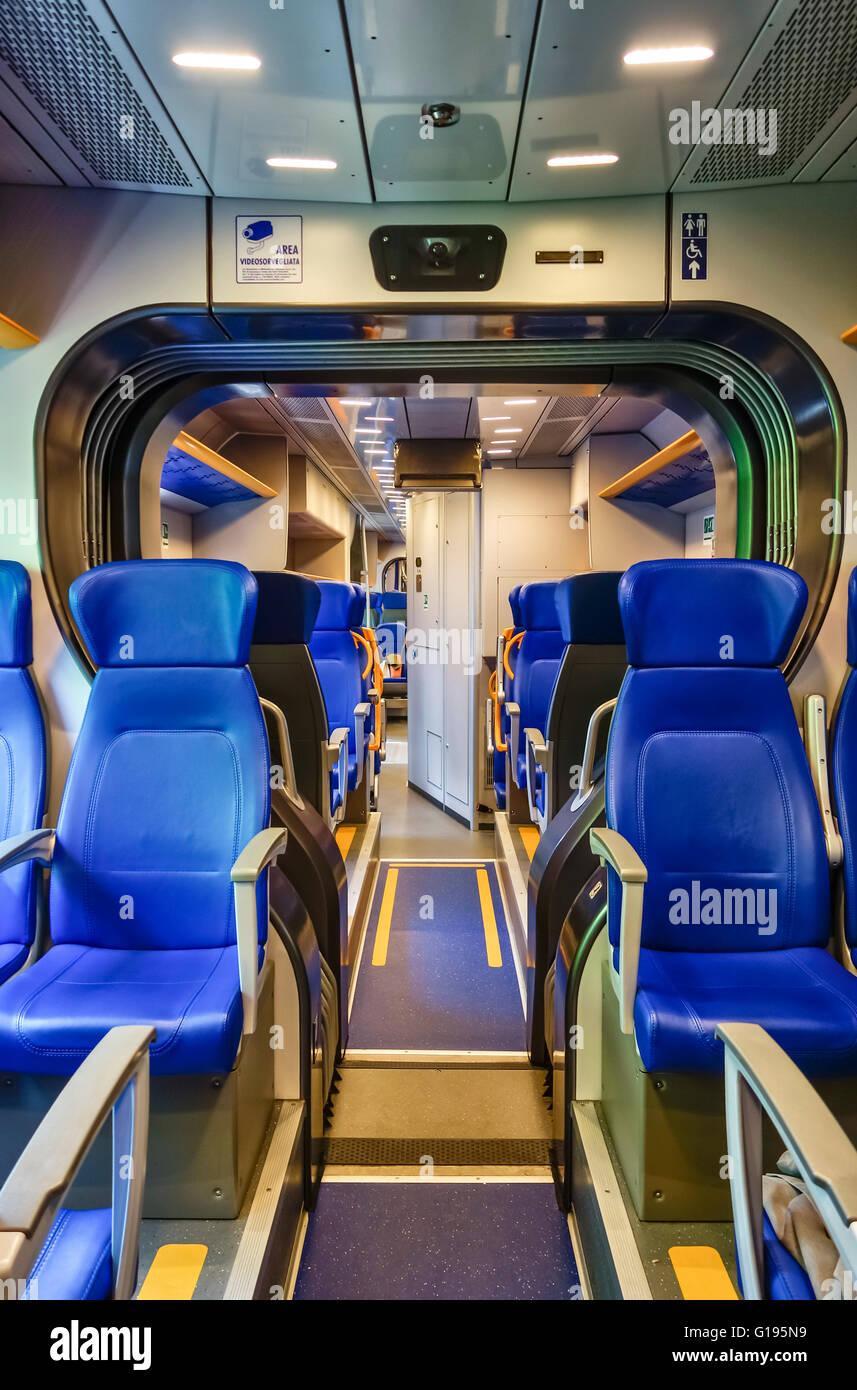 Modern Coach Stock Photos & Modern Coach Stock Images - Alamy