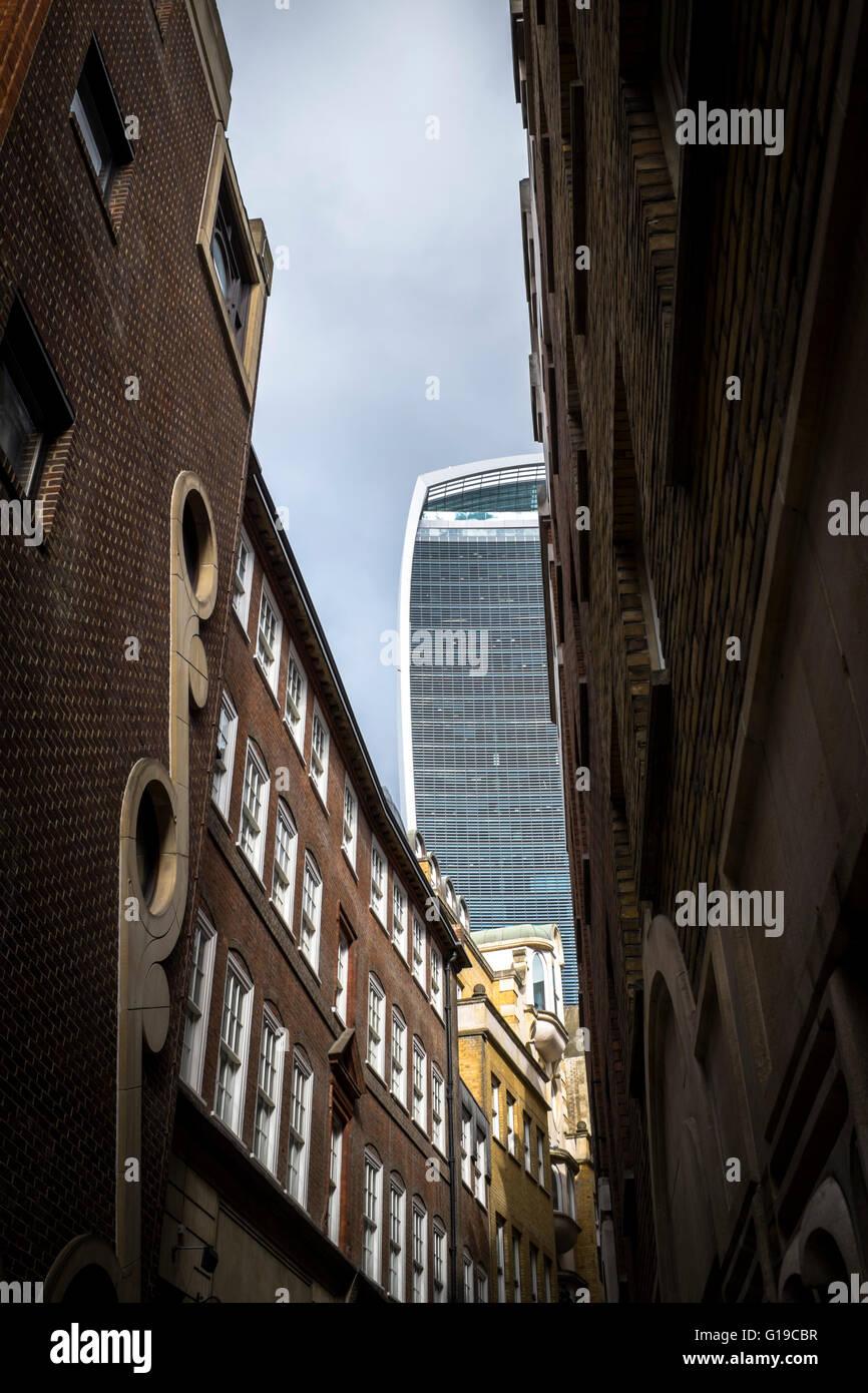40 Fenchurch Street – 'The Walkie Talkie' – seen from Lovat Lane, City Of London. - Stock Image
