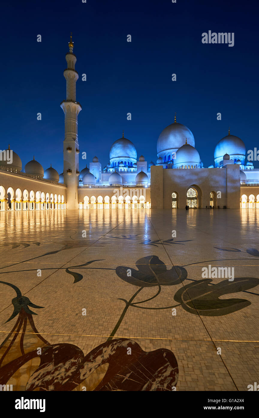 Sheikh Zayed Grand Mosque. Abu Dhabi Stock Photo