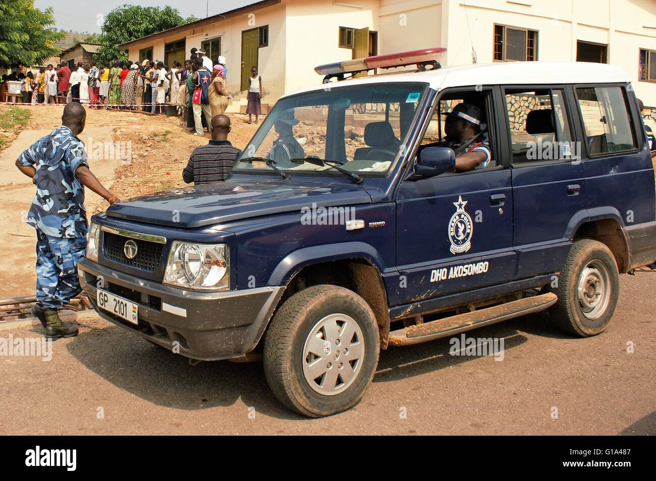 Ghana General Elections, 2008 - Police assuring a peaceful and fair Ghana election in Akosombo, near Accra - Stock Image