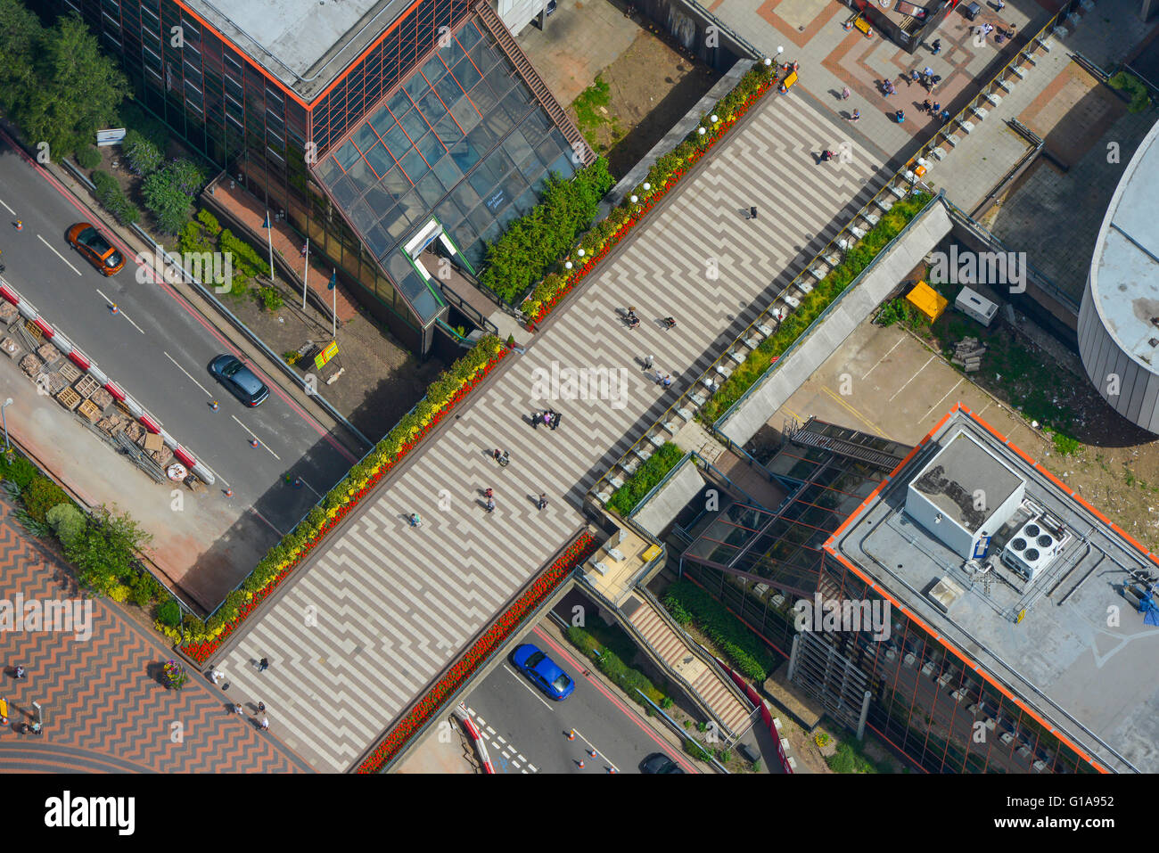 An aerial view of the footbridge over Paradise Circus in the centre of Birmingham - Stock Image