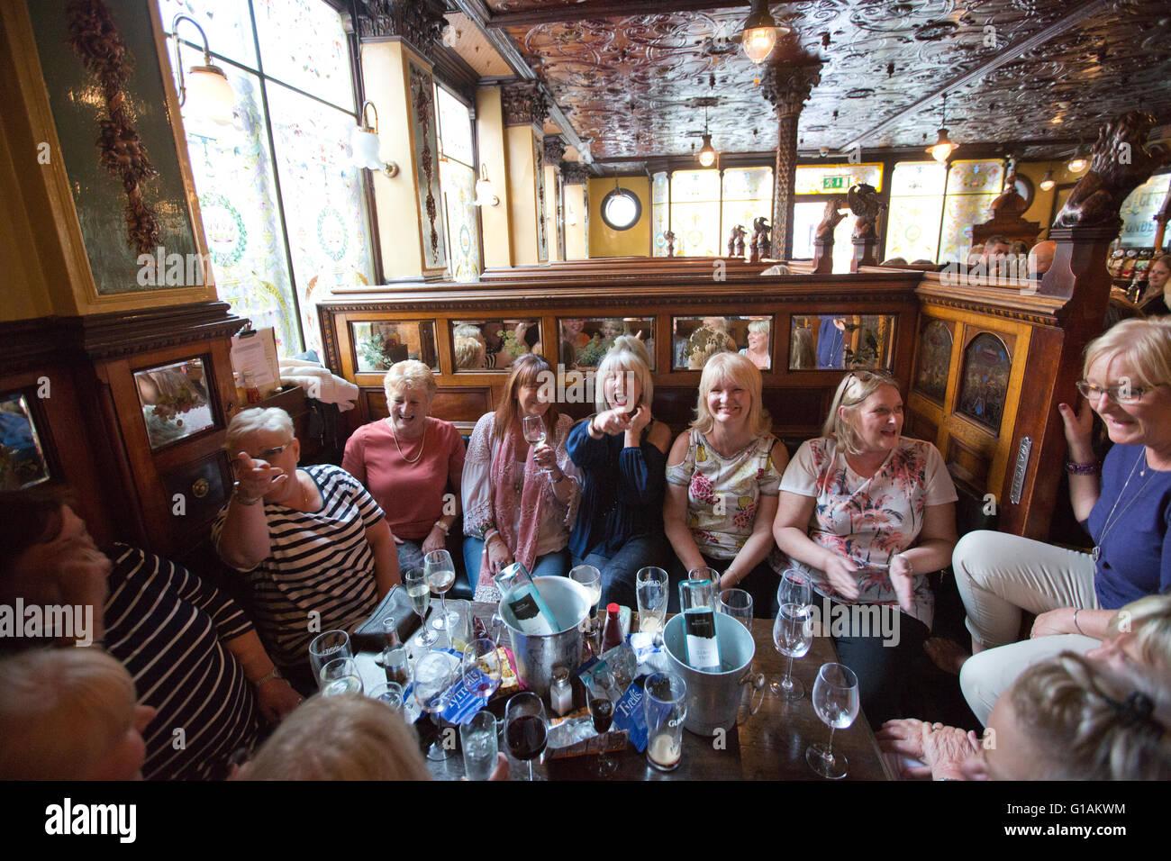 The Crown Liquor Saloon, Victorian gin palace and liquor saloon bar, Great Victoria Street, Belfast, Northern Ireland. - Stock Image