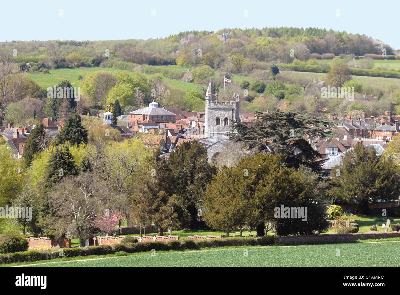 Bucks - Chiltern Hills - view over old Amersham town - rooftops-church tower -mature trees - wooded hillsides - - Stock Image