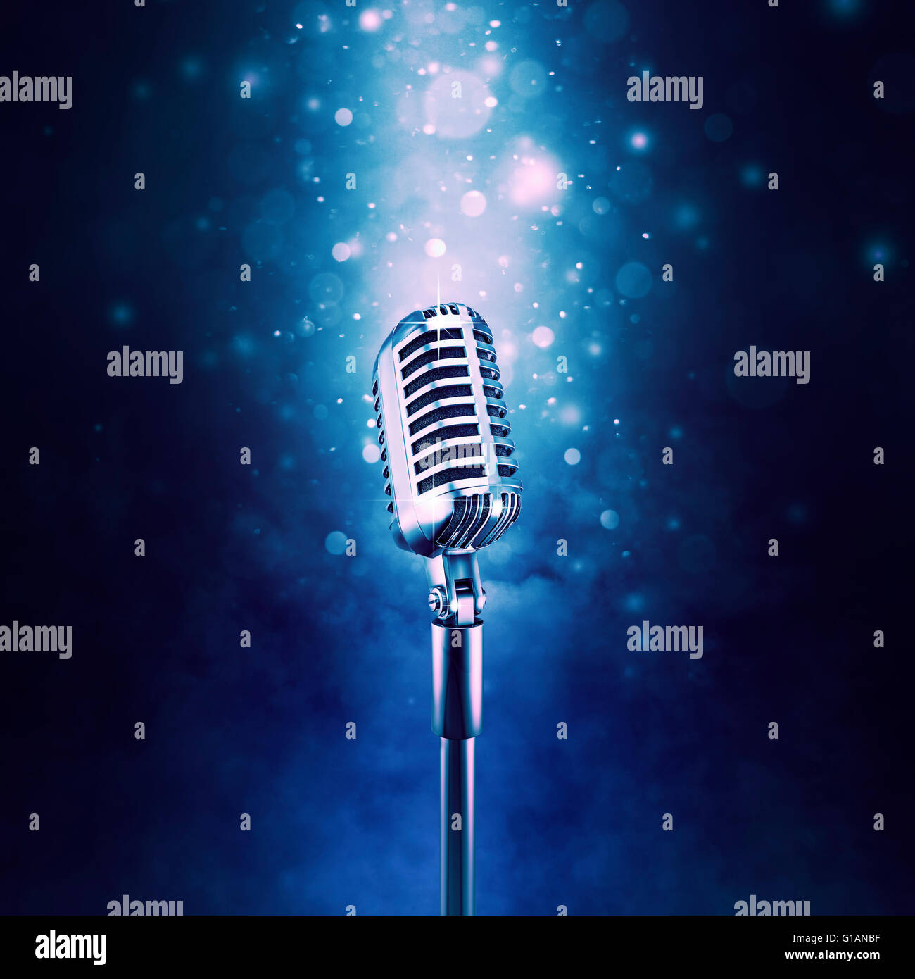 Retro microphone highlighted / 3D illustration of old fashioned classic microphone on sparkly bokeh background - Stock Image
