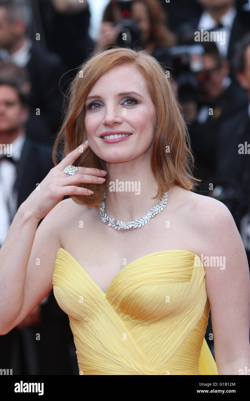 Cannes, France. 11th May, 2016. Actress Jessica Chastain attends the world premiere of Cafe Society and opening Stock Photo