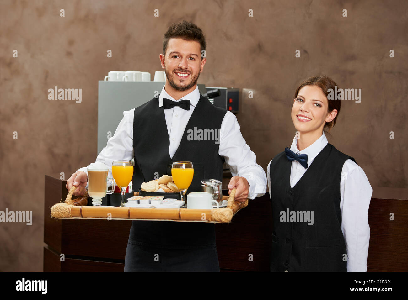 Hotel Waiter High Resolution Stock Photography And Images Alamy