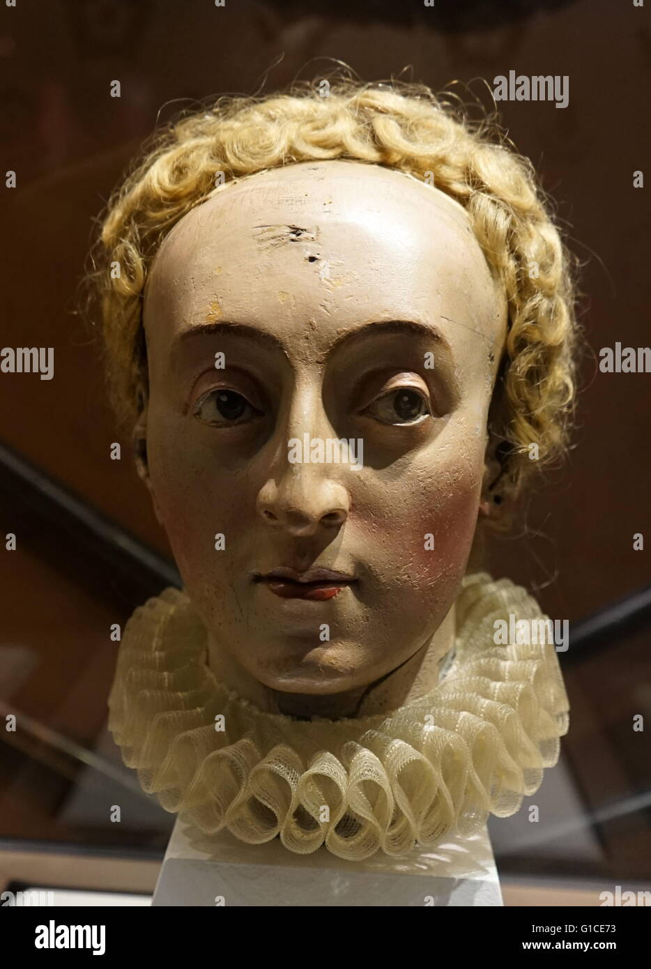 Wooden head of Queen Elizabeth I of England (1533-1603) the fifth and last  monarch of the Tudor dynasty. Dated 17th Century