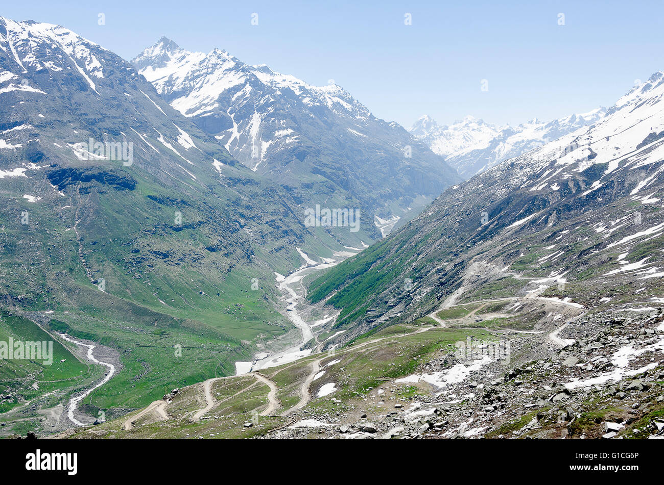 Road on northern side of Rotang Pass, Manali - Leh Road, Himachal Pradesh, India, - Stock Image