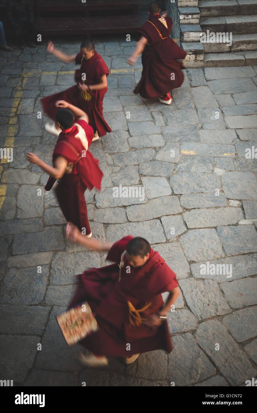 Monks celebrating the Mani Rimdu festival at Tengboche monastery in Nepal - Stock Image