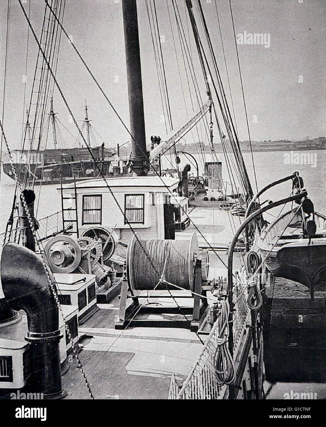 Steam winch with steel wire. Steel wire for deep-sea dredging was first used on the 'Blake'. This innovation - Stock Image