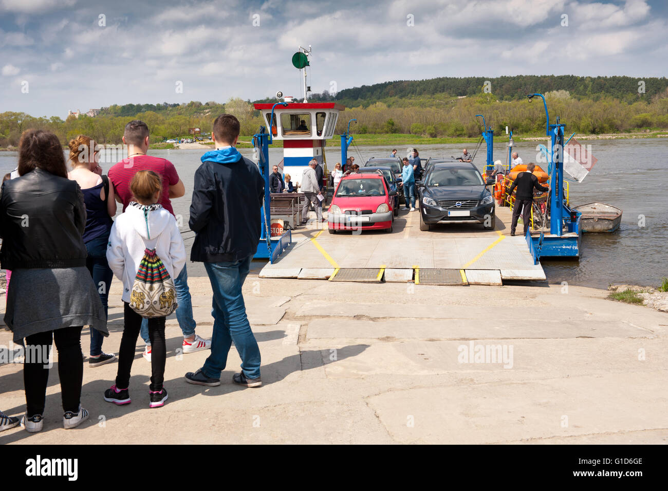Cable ferry ship unloading, course to Kazimierz Dolny from Janowiec in Poland, Europe, passenger local floating - Stock Image