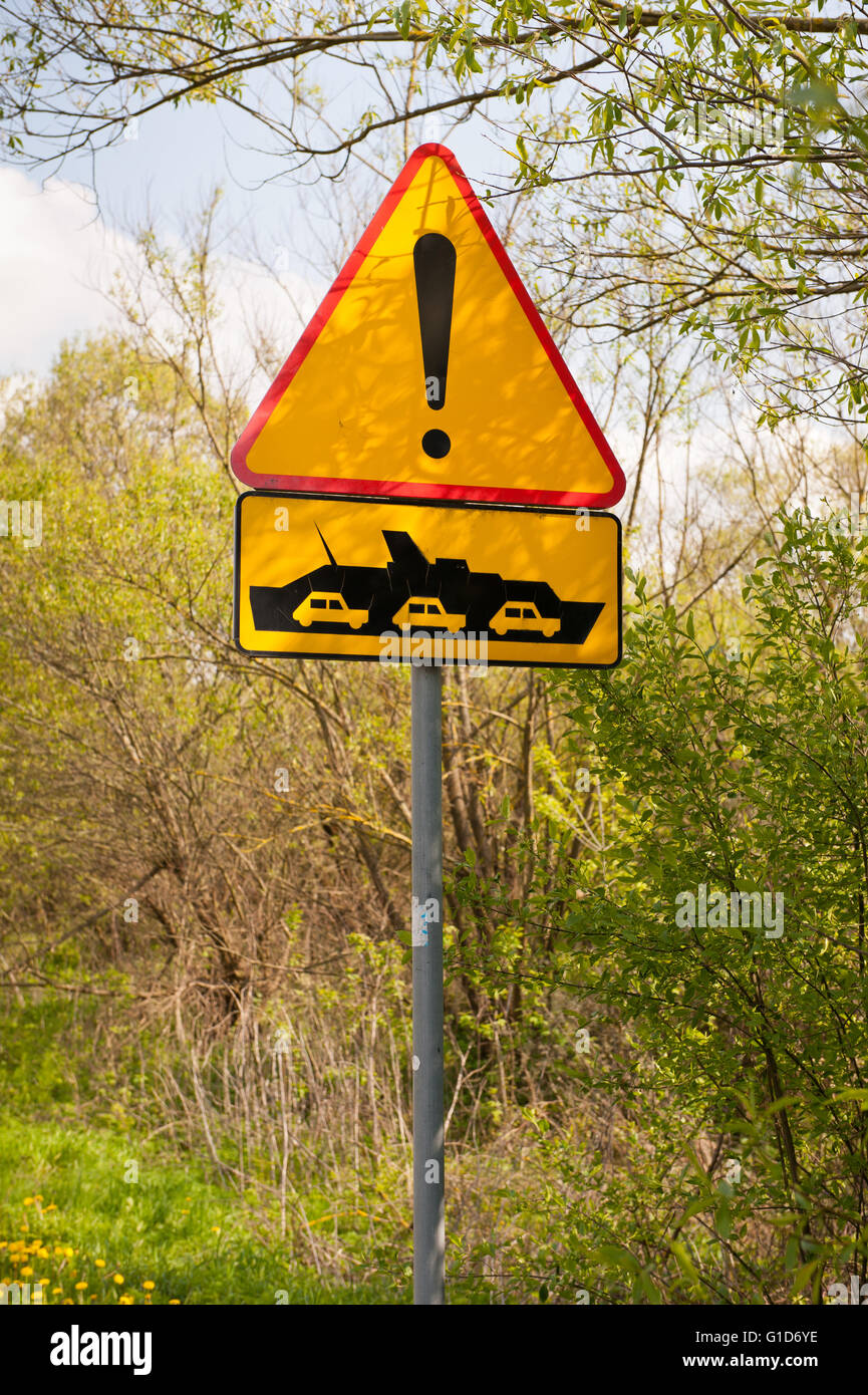 Ferry ship warning sign in bush by the wayside, course from Janowiec to Kazimierz Dolny in Poland, Europe, passenger - Stock Image