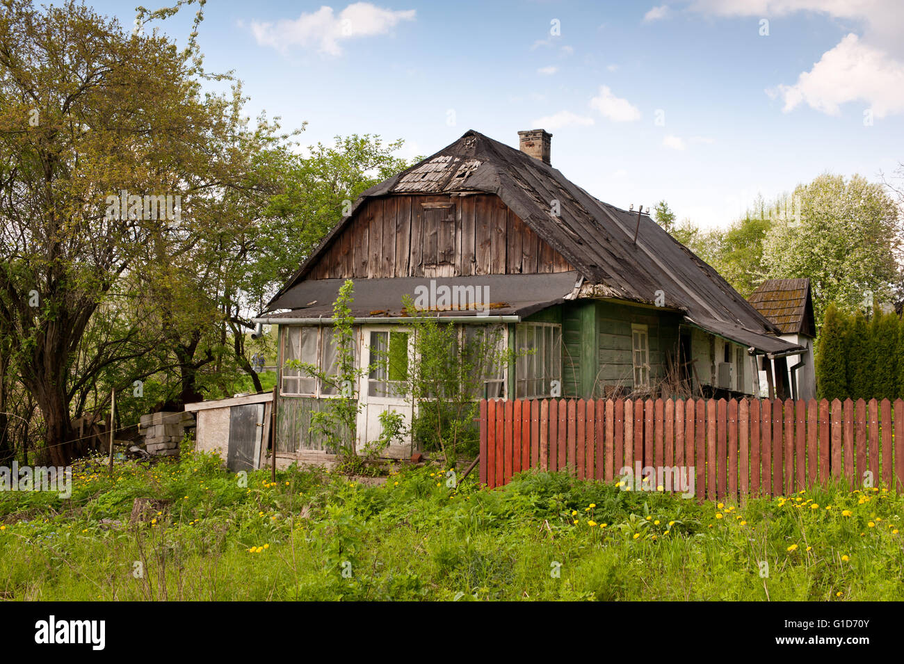 Decrepit house in Kazimierz Dolny, Poland, Europe, lorn private property exterior in natural scenery, dilapidated - Stock Image