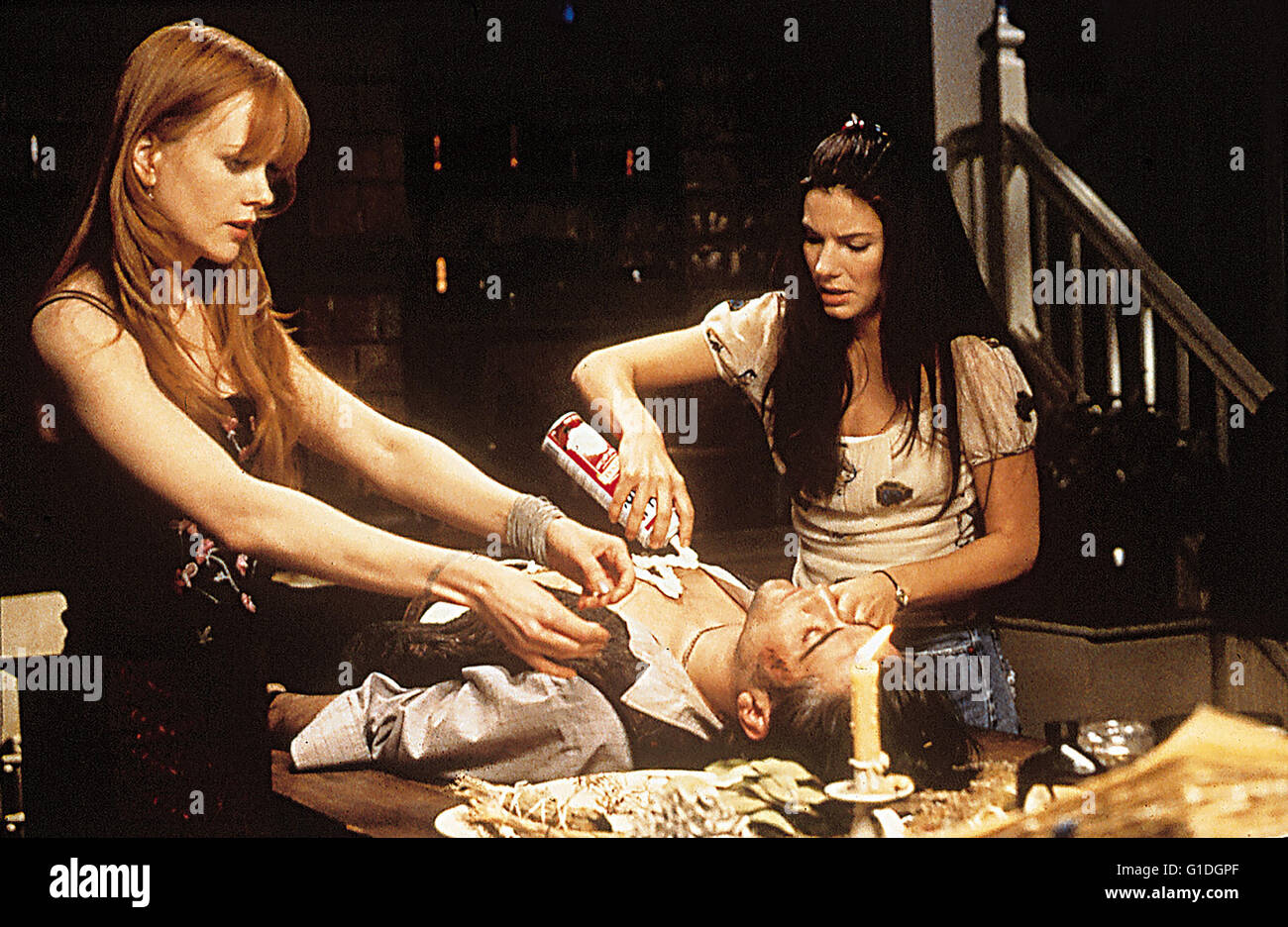 Practical Magic - Zauberhafte Schwestern / Nicole Kidman / Sandra Bullock / Practical Magic - Zauberhafte Schwestern - Stock Image