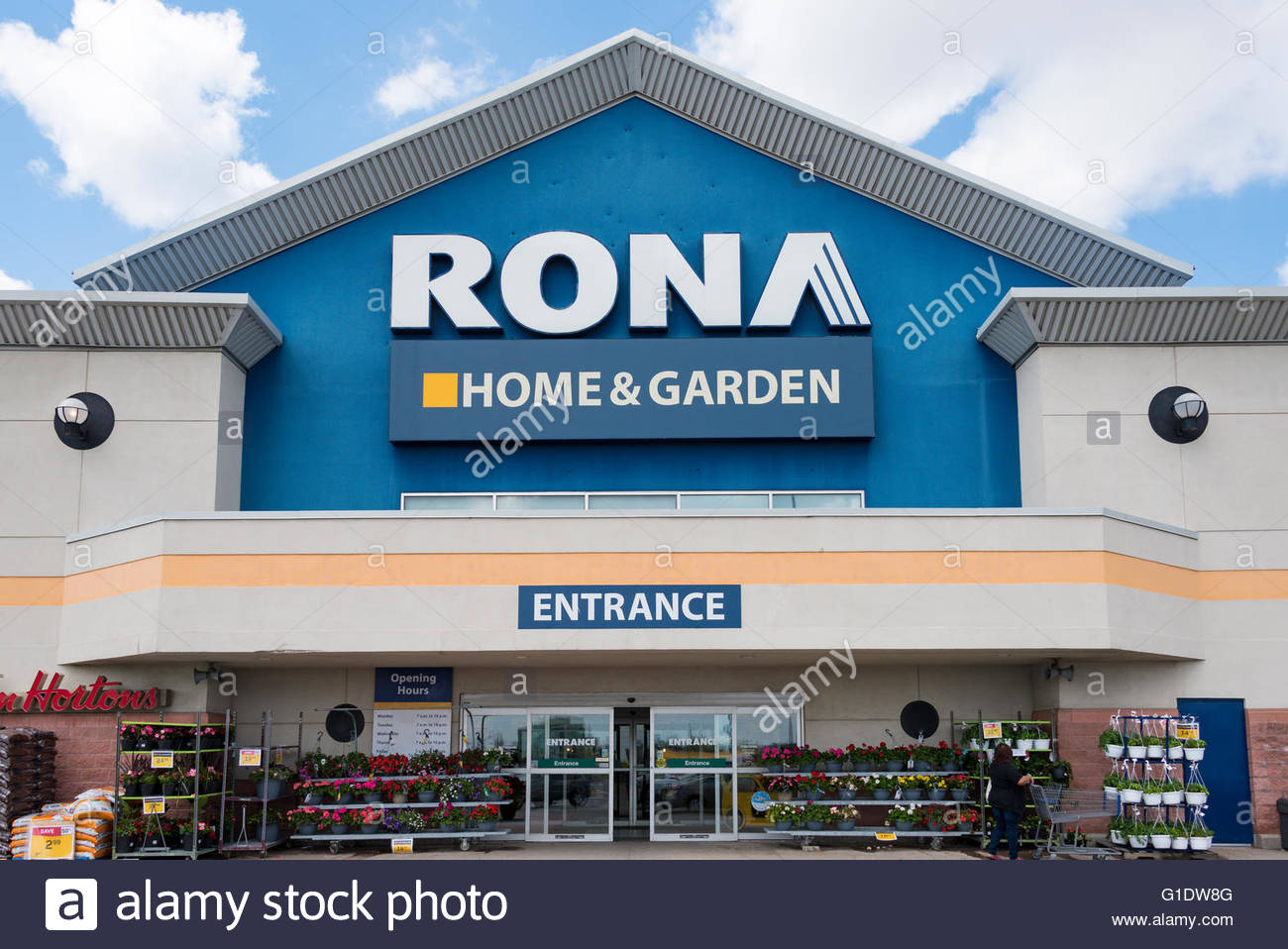 Incroyable Rona Home And Garden Sign At The Store Entrance. The Canadian Company Has  Been Acquired By Loweu0027s. The Canada Competition Bureau Has Approved The  Loweu0027s ...