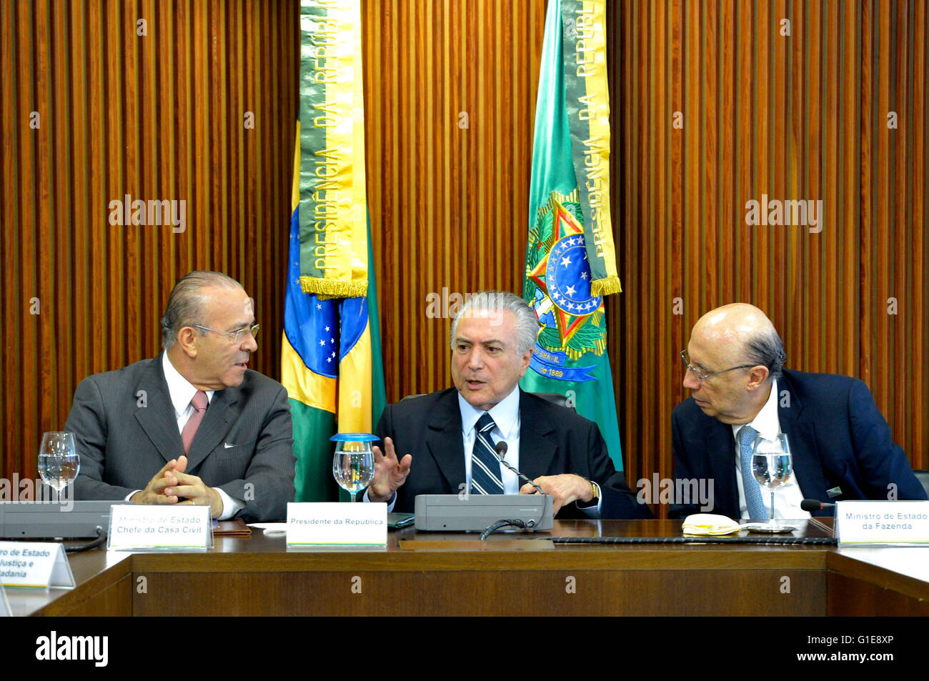 Brasilia, Brazil. 13th May, 2016. Brazil's acting President Michel Temer (C) presides over his first cabinet - Stock Image