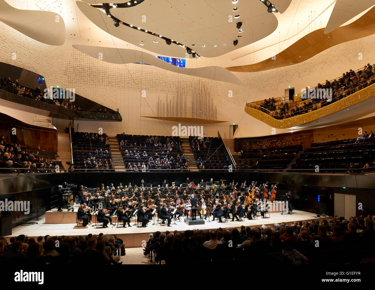 Philharmonie de Paris: Concert Hall. A rehearsal for the opening event with the Orchestre de Paris conducted by - Stock Image