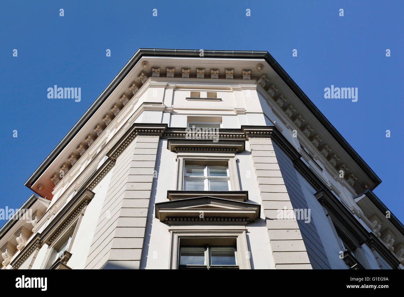 Buro, 53 Reichenberger Strasse. Angled view of an exterior wall of the office building and windows. - Stock Image