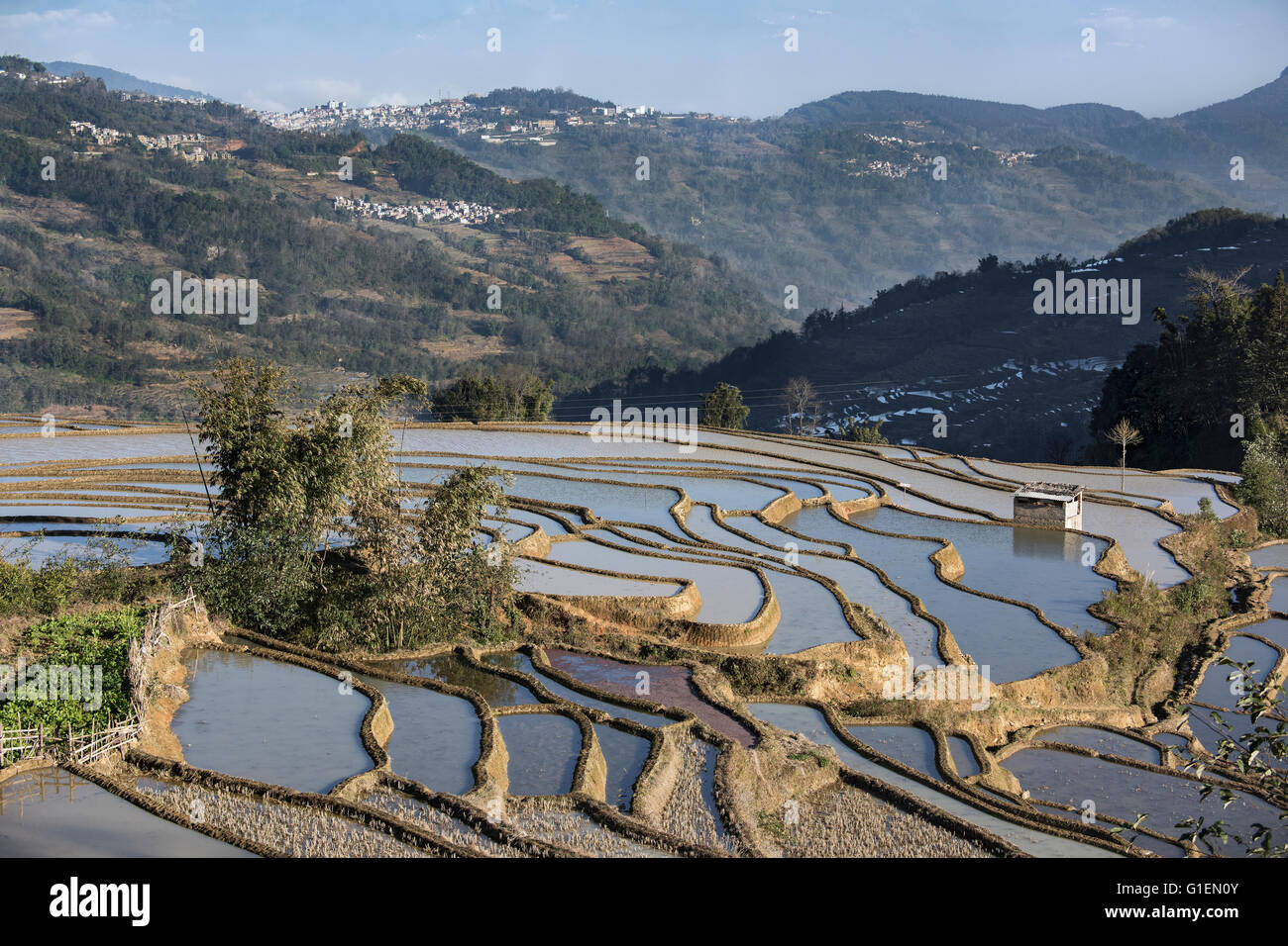 Villages and rice terraces, Quanfuzhuang, Yuanyang County, Yunnan Province, China - Stock Image