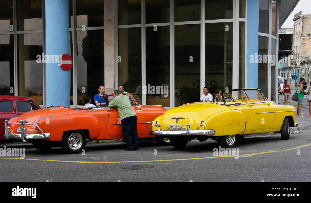 Classic American convertibles on the street, Havana, Cuba - Stock Image