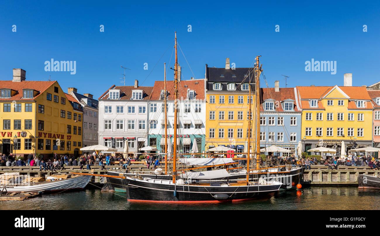 Nyhavn Canal, Nyhavn, Copenhagen, Denmark - Stock Image