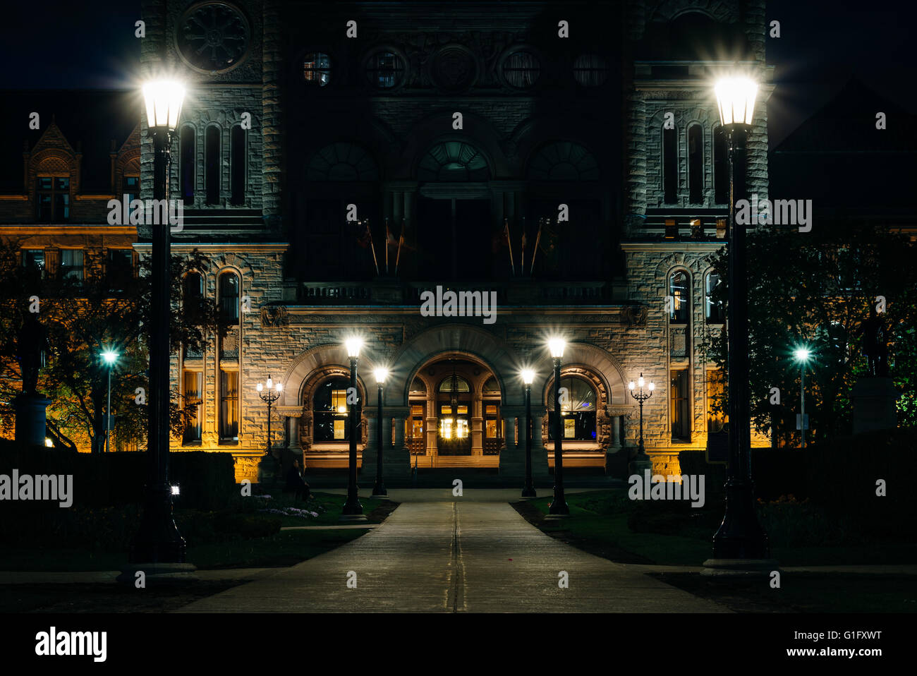 The Legislative Assembly of Ontario at night, at Queen's Park, in Toronto, Ontario. - Stock Image