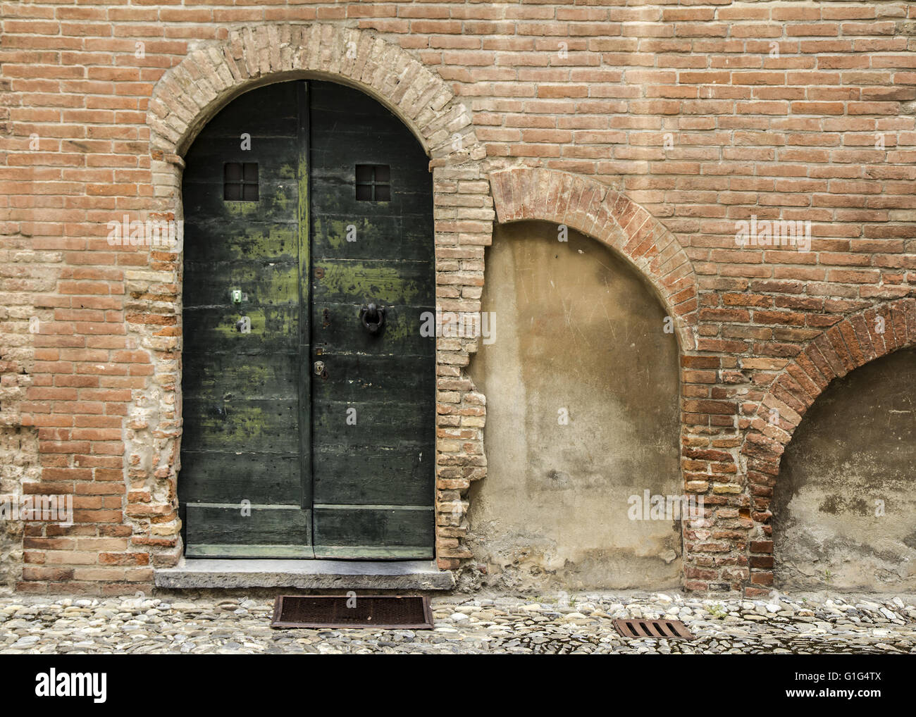 Typical Old Italian Door, Classic Building Facade   Stock Image