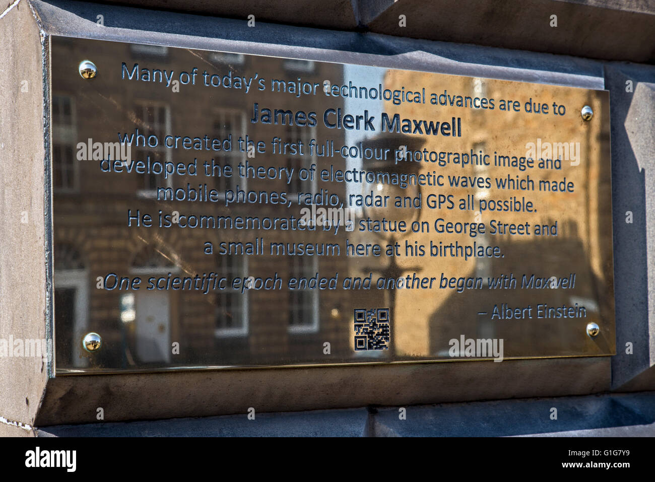 Brass plaque on the wall of 14 India Street, Edinburgh, the birthplace of James Clerk Maxwell (1831-79). - Stock Image