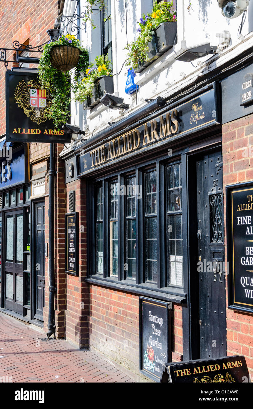 A view of The Allied Arms Pub in Reading, Berkshire, - Stock Image