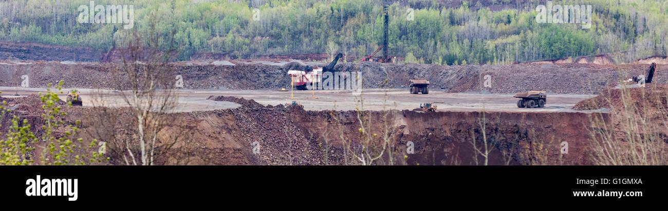 Taconite iron ore strip mine in the Mesabi Range, Minnesota - Stock Image