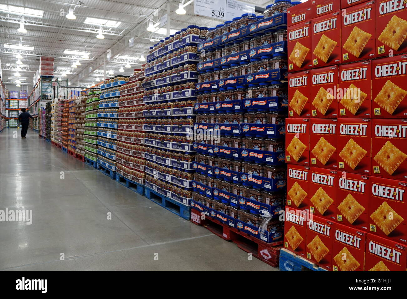 Snacks aisle at Costco Business Center, ensack New Jersey, USA ...