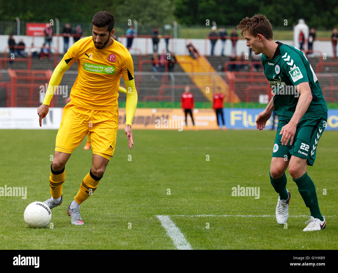 sports, football, Regional League West, 2015/2016, Rot Weiss Oberhausen versus Fortuna Duesseldorf U23 4:2, Stadium Stock Photo