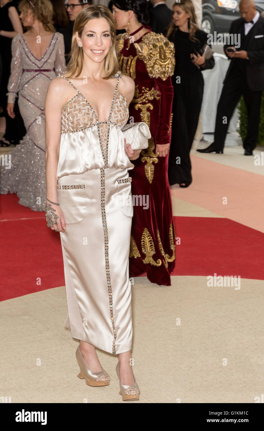 New York City, USA - May 2, 2016: Celeb attends the 2016 Met Gala - Stock Image
