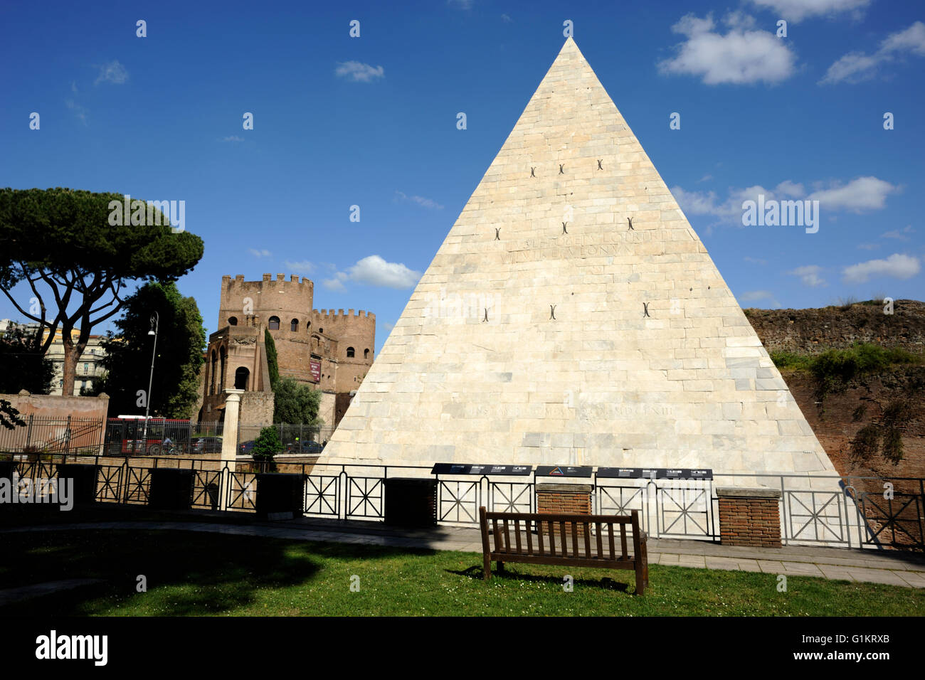 italy, rome, pyramid of caius cestius Stock Photo