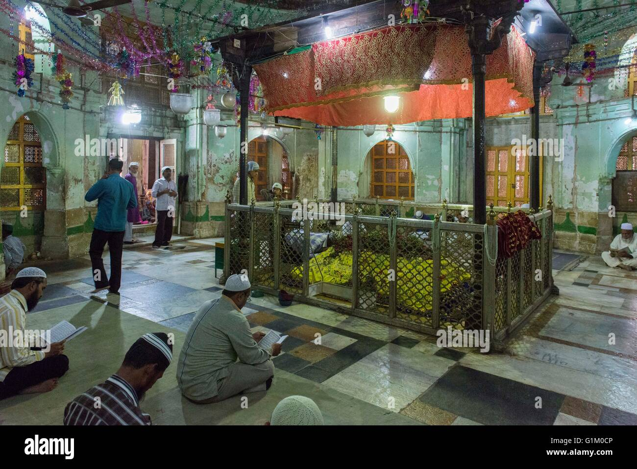 Inside Shrine, Sarkhej Roza, Ahmedabad - Stock Image