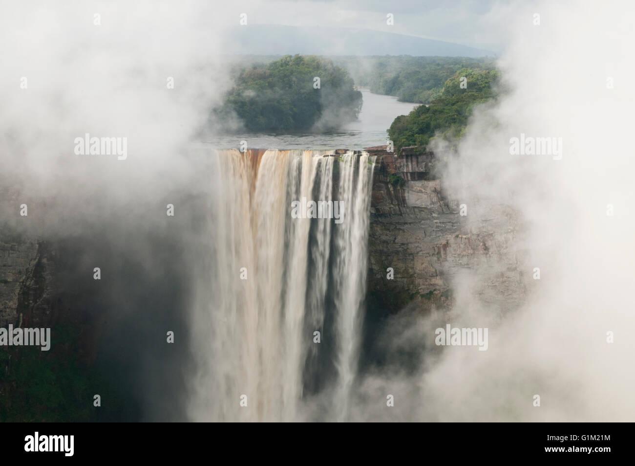 Kaieteur Falls in mist, Potaro River, Guyana - Stock Image