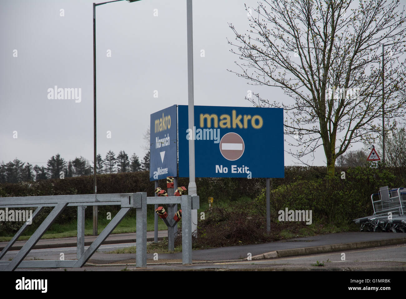 A no exit sign at Makro, Norwich. - Stock Image