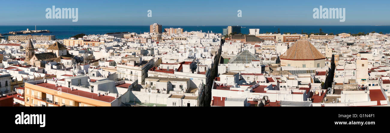 Cadiz, Costa de la Luz, Cadiz Province, Andalusia, southern Spain. Panoramic view of the old quarter seen from the - Stock Image