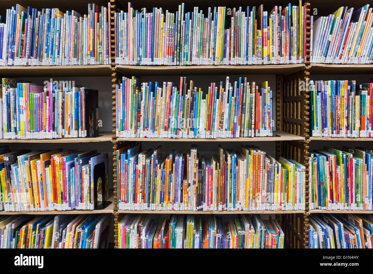 New York, New York State, United States of America.  Shelves of books in the children's section of The New York - Stock Image