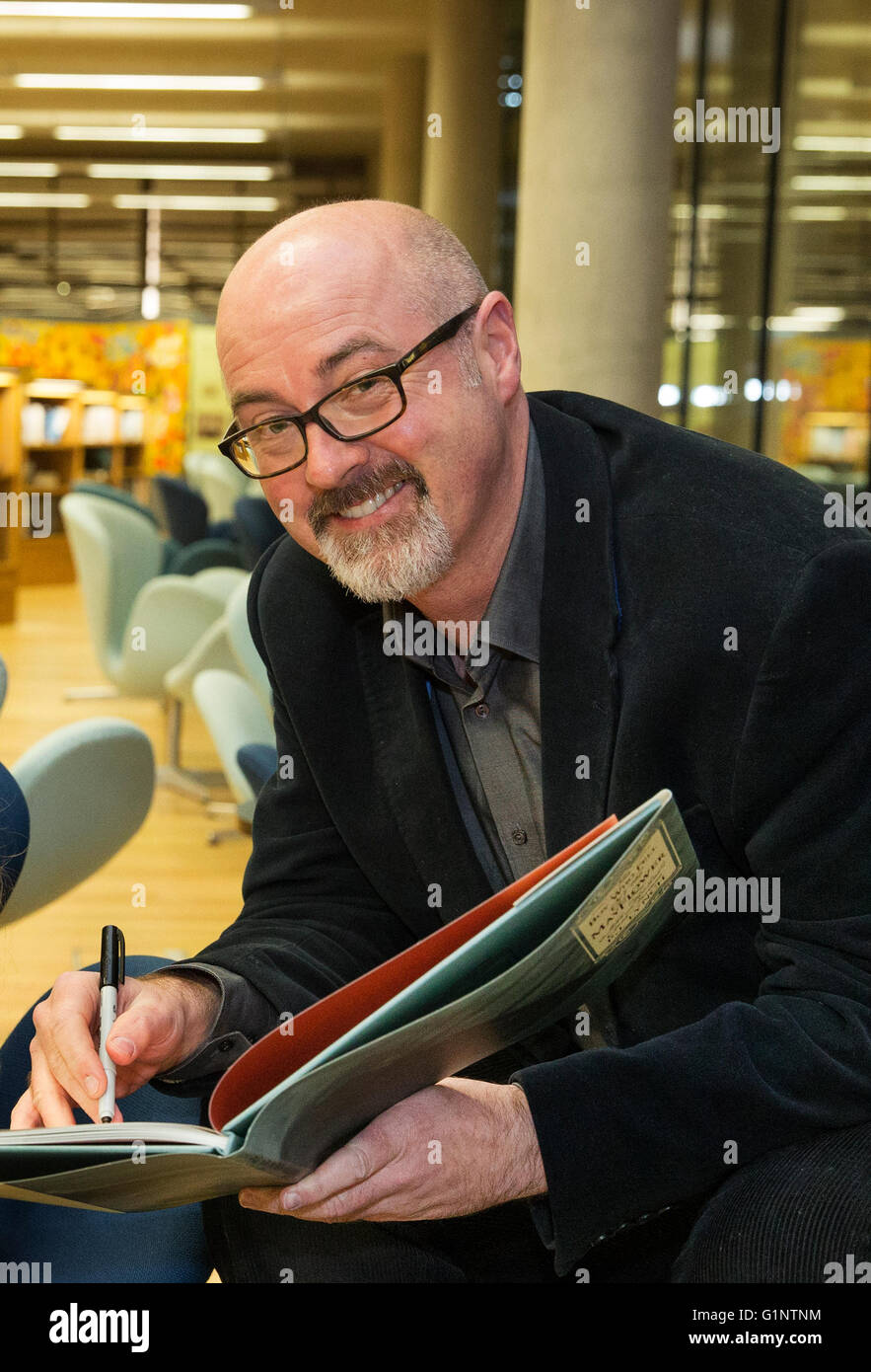 FILE PICS: 17th May 2016 - PJ Lynch announced as Laureate na nÓg by President Michael D Higgins - Irish author - Stock Image