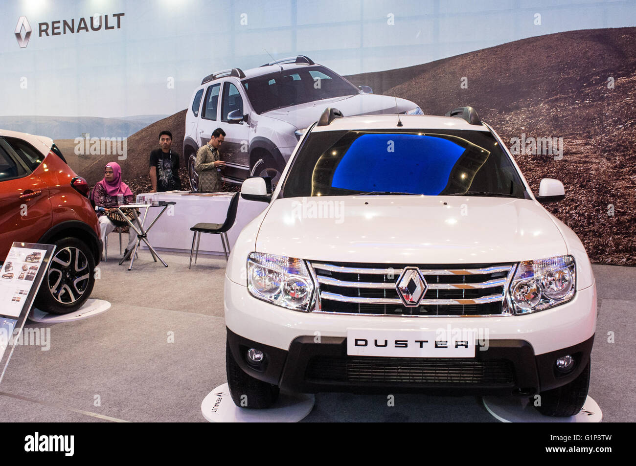 Makassar, Indonesia. 18th May, 2016. Renault exhibits the Duster series at GIIAS Makassar Autoshow in Makassar, - Stock Image