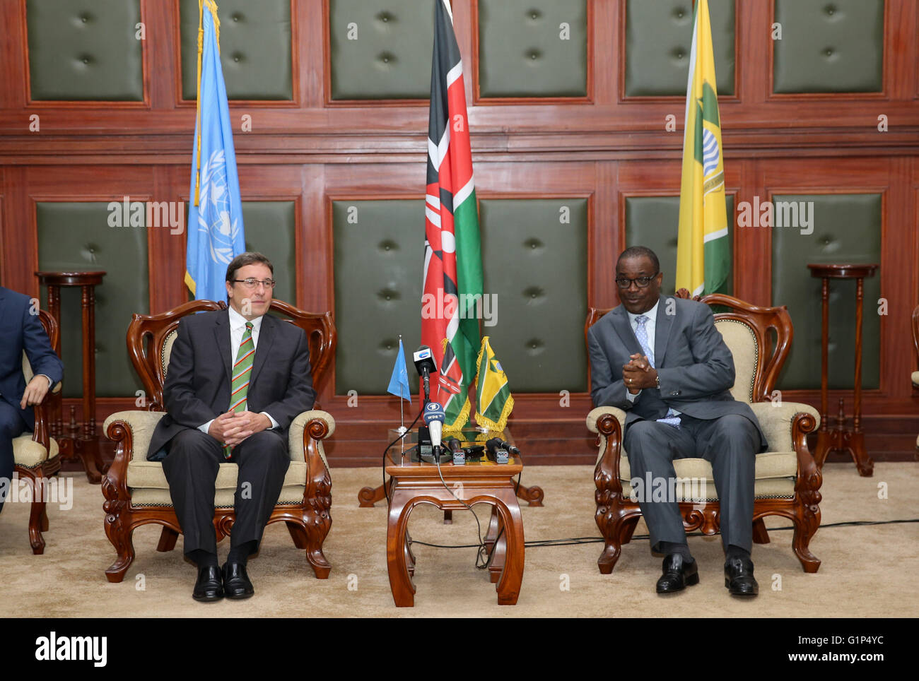 Nairobi. 18th May, 2016. Achim Steiner (L), Executive Director of the United Nations Environmental Program (UNEP), - Stock Image