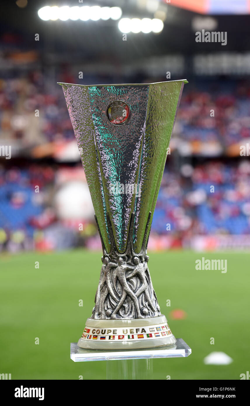europa league trophy high resolution stock photography and images alamy https www alamy com stock photo basel switzerland 18th may 2016 the uefa europa league trophy on display 104365119 html