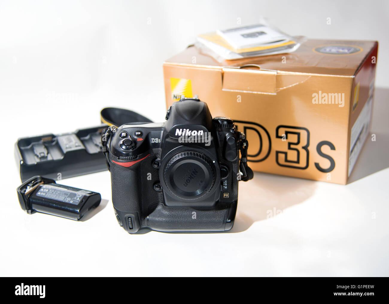 Nikon Dslr Stock Photos & Nikon Dslr Stock Images - Alamy